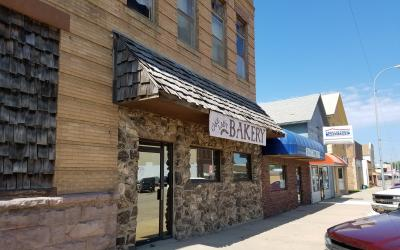 Cake Lady Bakery and American Family Insurance businesses in a small town in South Dakota