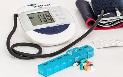 Blood pressure device, box of pills
