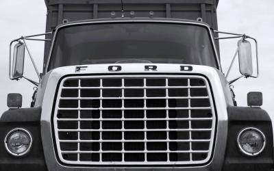 front end of a heavy ford truck